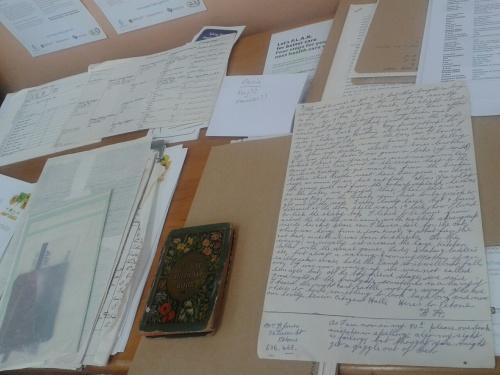 Hooper family records_owned by Lynda Battah